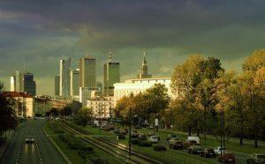 Zwiedzanie Warszawy wypożyczonym samochodem
